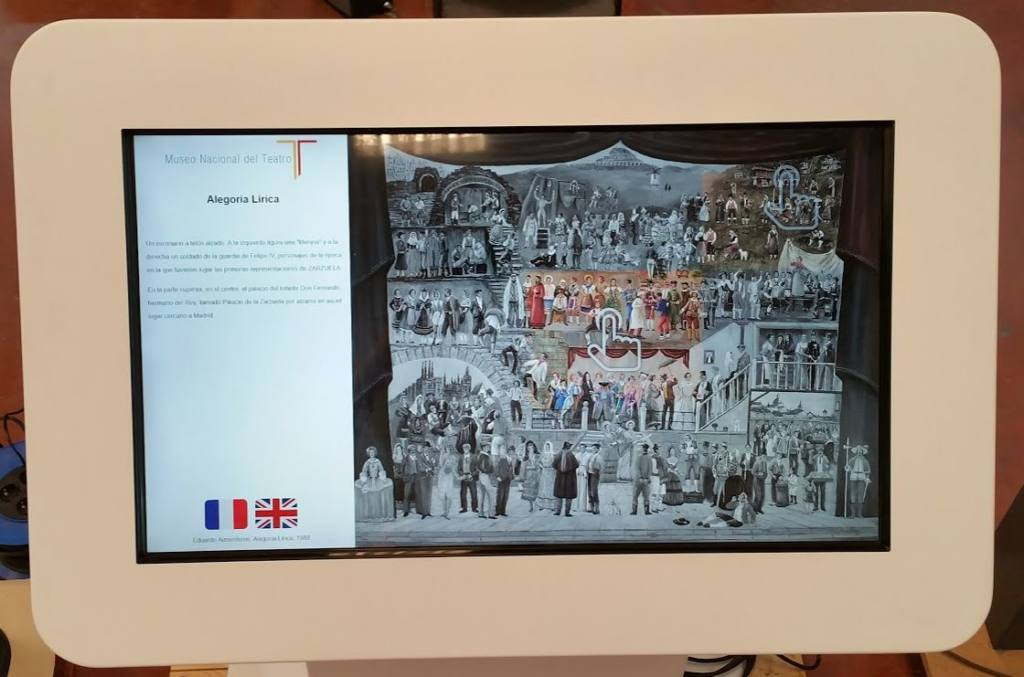 atril-interactivo-museo-nacional-teatro