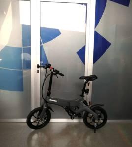 interactuando-bicicleta-electrica