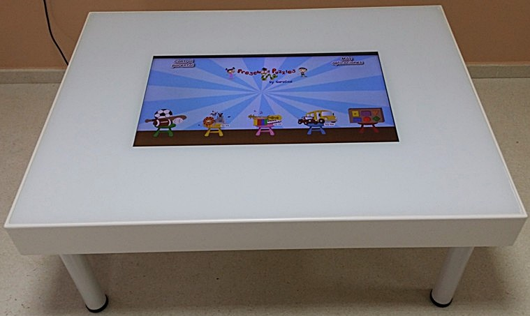 mesa-interactiva-infantil-interactuando