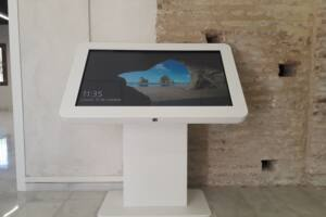 totem-interactivo-serieT-itouch-emasesa